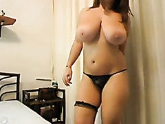 Busty chubby hairy chick in webcam show