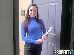 PropertySex Curvy Real Estate Agent Fucks Potential Client