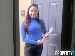 PropertySex Curvy Real Estate Agent Fucks Potential Client