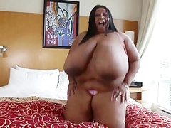Sexy Ebony BBW buries,smothers and bonks white boy